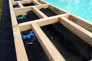 Phase de construction Plage Piscine en bois exotique