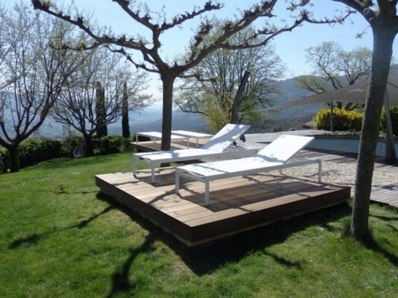 Terrasse-Mobile dissimulant une piscine