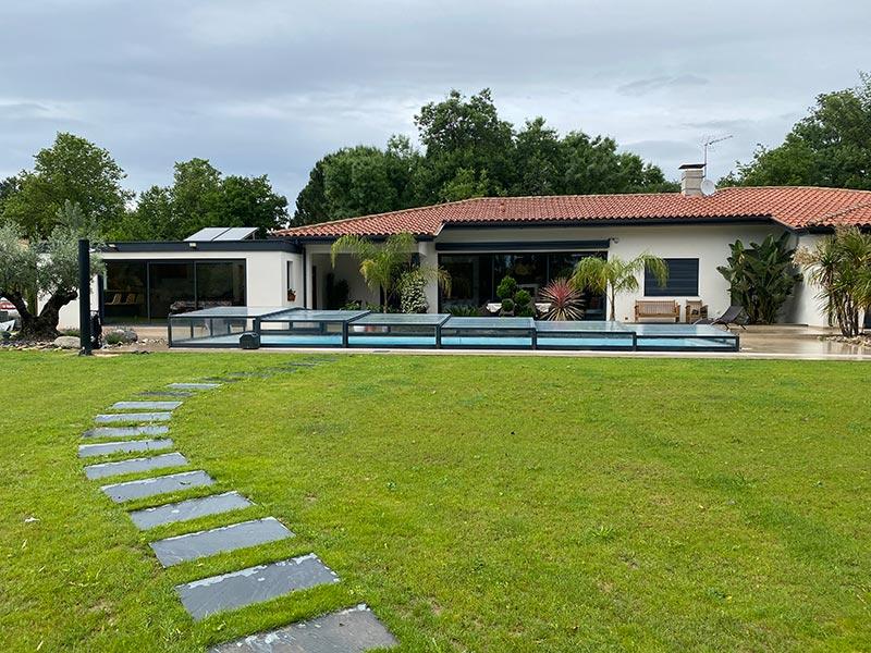 abri en verre bas pour piscine par Design Concept LS (environs de Toulouse)