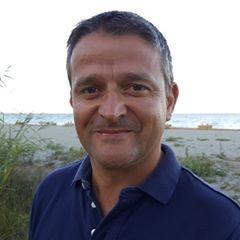 portrait de Christophe Fraresso, président de Design Concept LS, commercialisation et fabrication d'abris de piscine