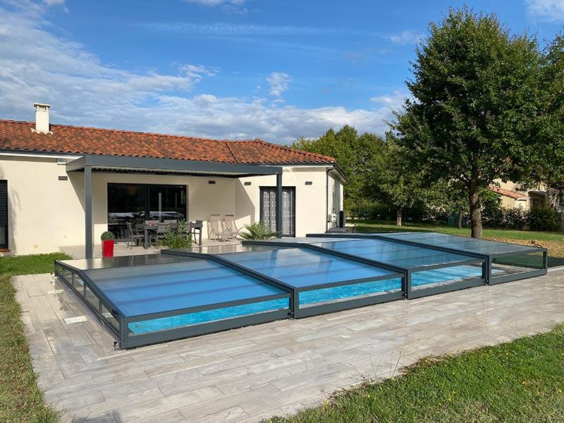abri bas en verre pour piscine et pergola biocliimatique par Design Concept LS