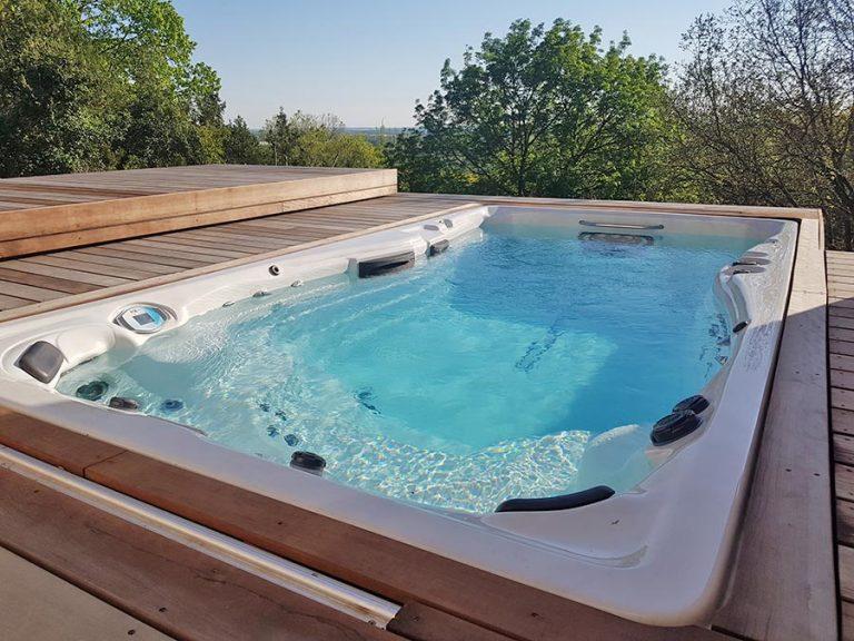 spa enterré avec terrasse mobile ouverte