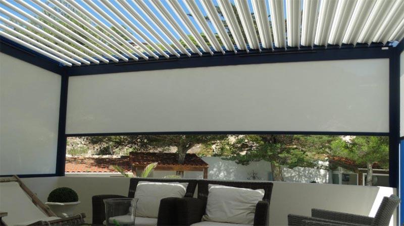 Pergola Bioclimatique par DCLS avec rideaux protecteurs coulissants