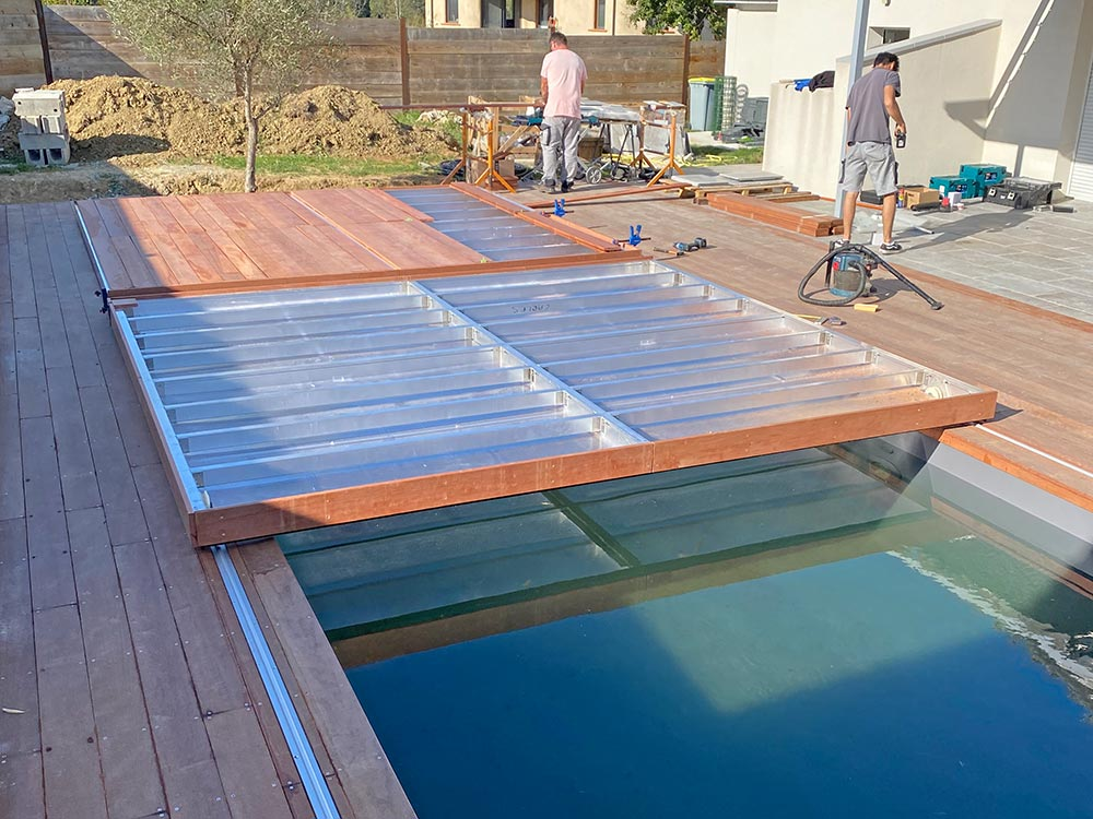 Montage terrasse mobile pour piscine avec double panneau par Design Concept LS (dcls)
