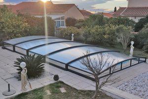 Réalisation en Pyrénées-Orientales: un abri bas de piscine