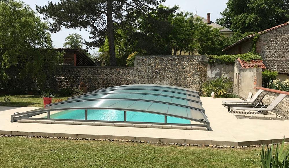 abri bas de piscine coulissant de DCLS, à Carbonne, Haute-Garonne, Occitanie