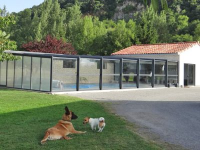 abris en verre pour piscine par DCLS - Design Concept LS